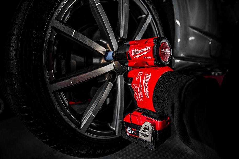 """Klucz udarowy akumulatorowy 1/2"""" 881 Nm z pinem M18 FMTIW2P12-502X MILWAUKEE (nr kat. 4933478453)"""