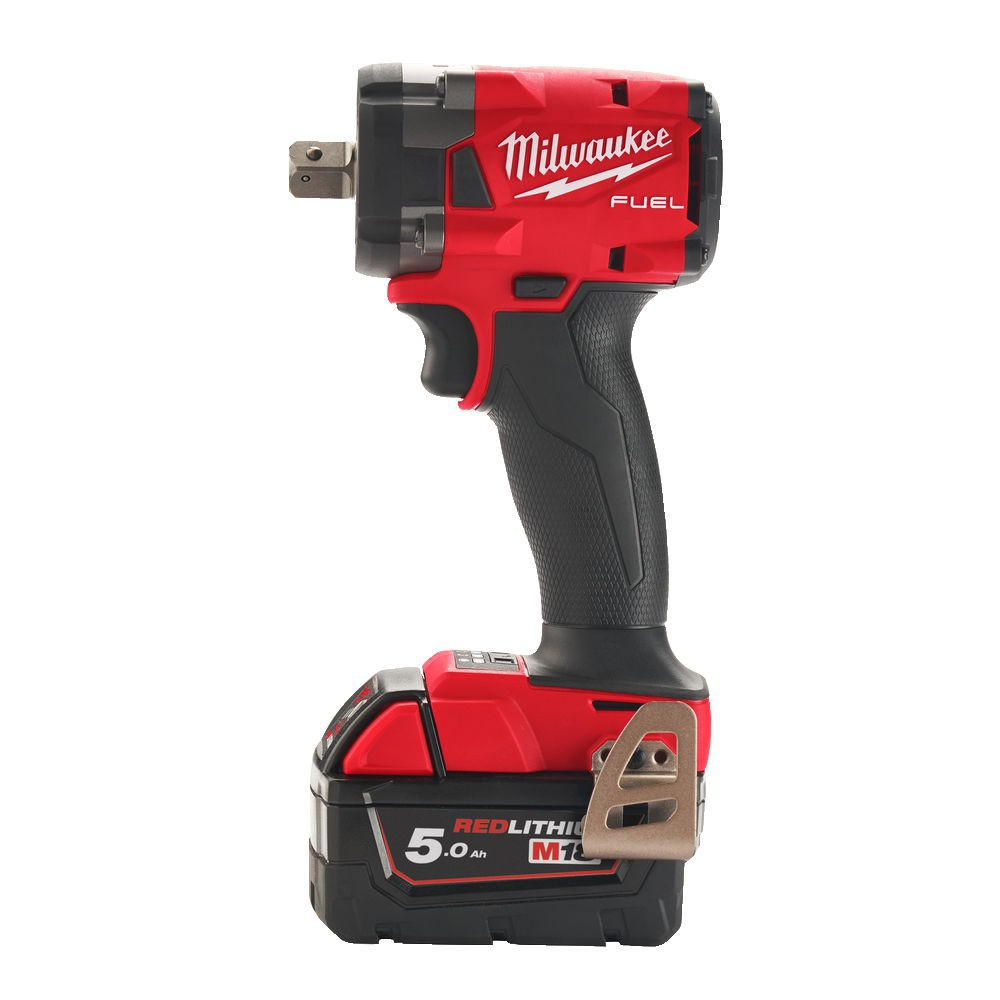 """Klucz udarowy akumulatorowy kompaktowy 1/2"""" 339 Nm z pinem M18 FIW2P12-502X + guma ochronna MILWAUKEE (nr kat. 4933478447 + 4932478770)"""