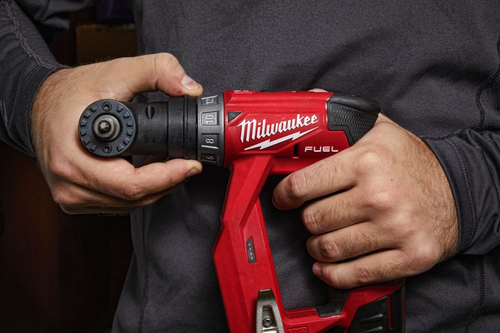 Wiertarko-wkrętarka akumulatorowa z wymiennym uchwytem M12 FDDXKIT-202X MILWAUKEE (nr kat. 4933464979)